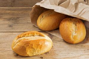 Brotverpackung - Papiertüte: eine günstige Methode